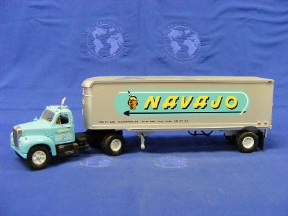 mack-1960-b-61-tractor-trailer-navajo-first-gear-FGC1368