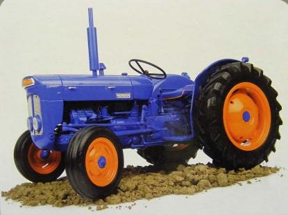 1962-fordson-super-dexta-tractor-universal-hobbies-limited-UHL2899