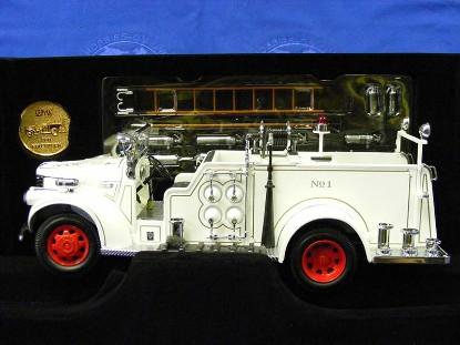 1941-gmc-firetruck--white-yatming-YAT20068W