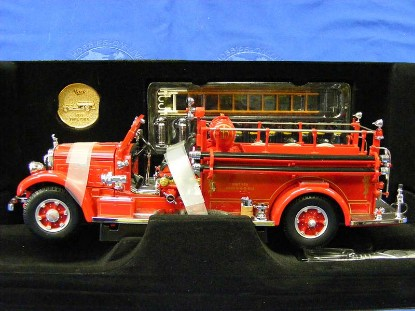 1935-mack-type-75bx-fire-pumper-yatming-YAT20098