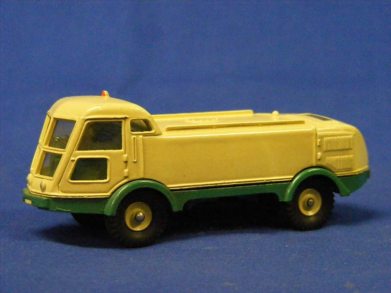 balayeuse-lmv-road-sweeper-dinky-DIN596