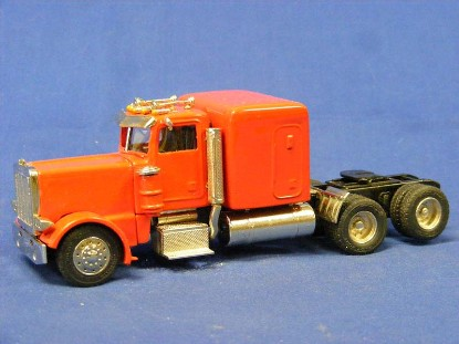 peterbilt-379-with-sleeper-truck-miniatures-TMP002