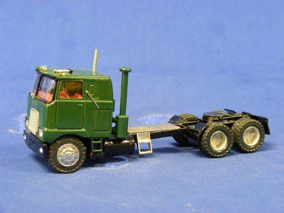mack-700-coe-customized-long-frame-truck-miniatures-TMP004