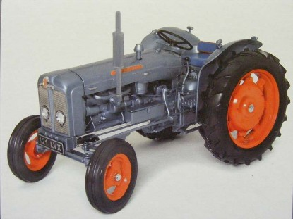 1960-fordson-super-major-launch-model-universal-hobbies-limited-UHL2951