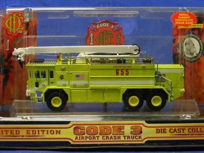 oshkosh-airport-crash-truck-o-hare-code-3-collectibles-COD12150