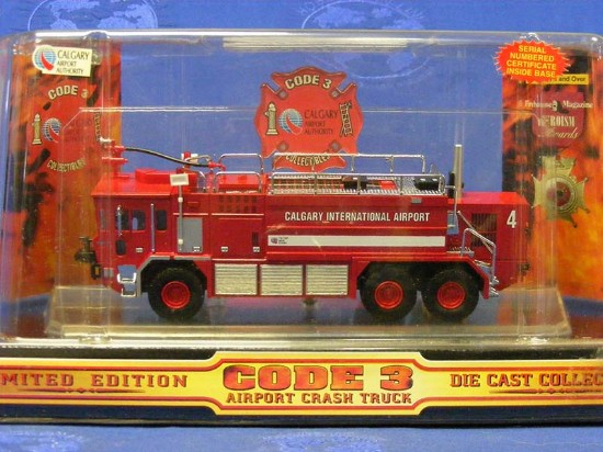 oshkosh-airport-crash-truck-calgary-code-3-collectibles-COD12157