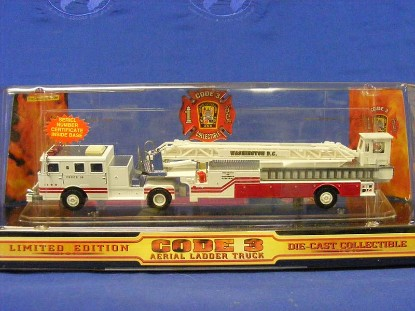 seagrave-tda-ladder-truck--washington-dc-16-code-3-collectibles-COD12659.1