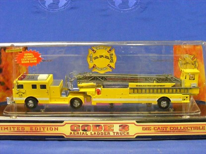 seagrave-tda-ladder-truck-honolulu-1998--code-3-collectibles-COD12660