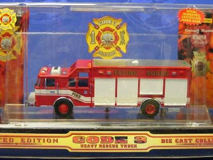 pierce-heavy-rescue-truck--new-orleans-code-3-collectibles-COD12718
