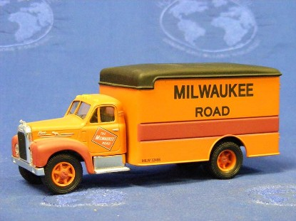 mack-b-van-milwaukee-road-corgi-COR52504