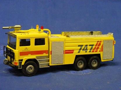 volvo-airport-fire-engine-conrad-CON4392