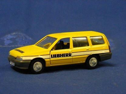 opel-kadett-wagon-liebherr-gama-GAM1112