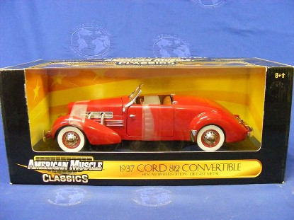 cord-812-convertble-1937-red-ertl-ERT32158