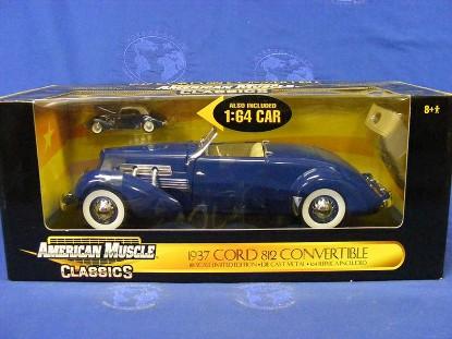 cord-812-convertible-1937-1-64-model-blue-ertl-ERT32880