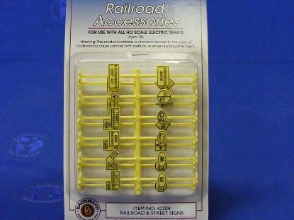 railroad-street-signs-set-of-24--bachmann-BAC42204