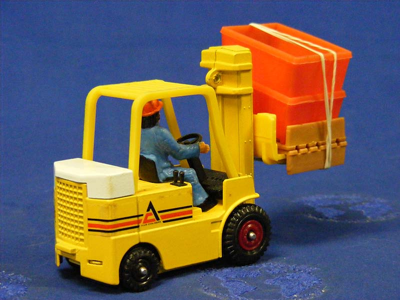 allis-chalmers-forklift-yellow-corgi-COR409