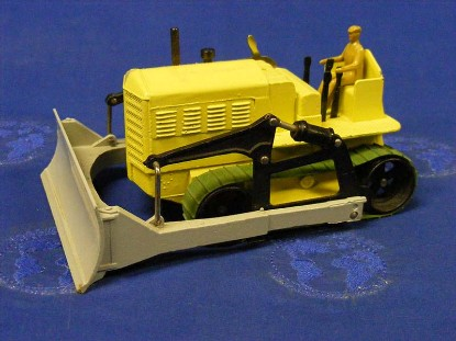 cletrac-with-blaw-know-blade-dinky-DIN961