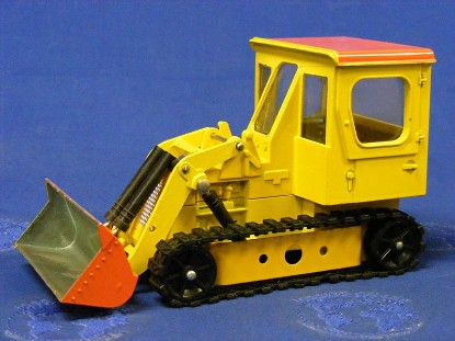track-loader-possibly-resembles-drott-dinky-DIN977