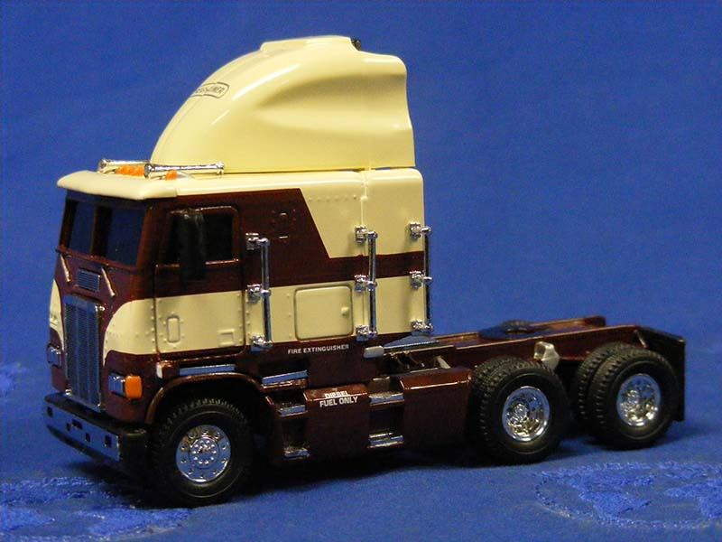 Buffalo Road Imports Freightliner Coe Tractor Brown Cream Truck