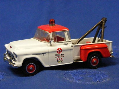 chevy-1955-tow-truck-texaco-us-olmypic-team-matchbox-MAT37799