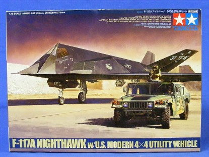f-117a-nighthawk-with-hummer-tamiya-TAM89773