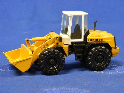 liebherr-l522-wheel-loader-conrad-CON2882
