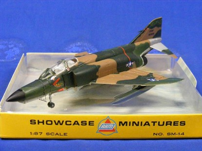 f-4e-phantom-ii-usaf-academy-hobby-model-kits-AHMSM-14