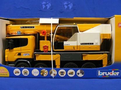 scania-liebherr-truck-crane-bruder-BRU03570