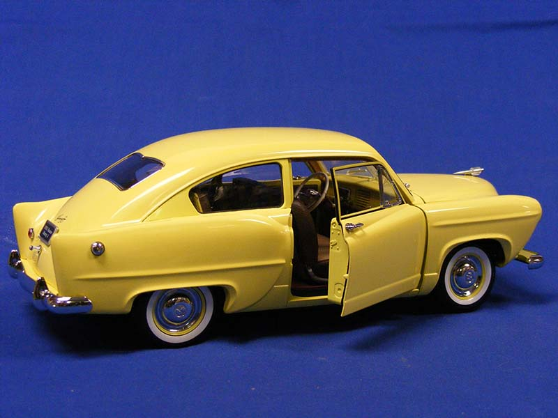 1951-kaiser-henry-j.--platinum-collection--yellow-sunstar-SUN5091