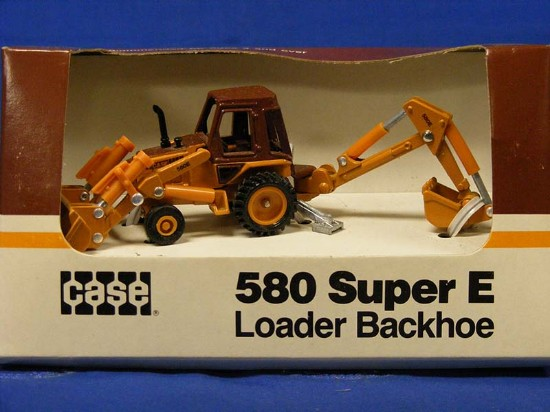 case-580-super-e-tractor-backhoe-ertl-ERT202