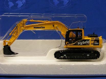 komatsu-hb205-hybrid-track-excavator-universal-hobbies-limited-UHL8080