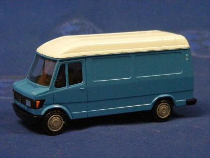 mb-high-roof-delivery-van-blue-conrad-CON1608