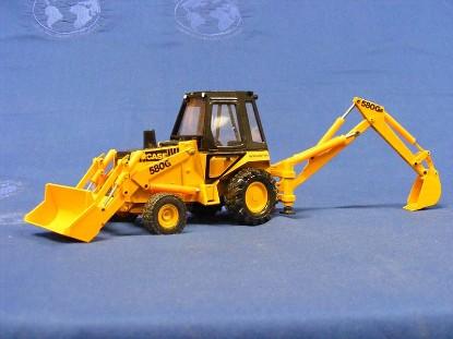 case-580g-tractor-loader-backhoe-orange-black-conrad-CON2932.1