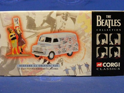 the-beatles-bedford-ca-graffiti-van-figures-corgi-COR05606