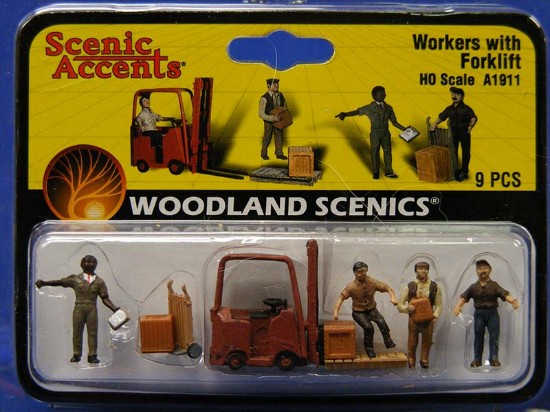 workers-with-forklift-woodland-scenics-WDS1911