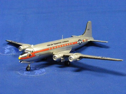 douglas-c-54-skymaster-the-air-transport-command-ixo-models-IXOJ008001