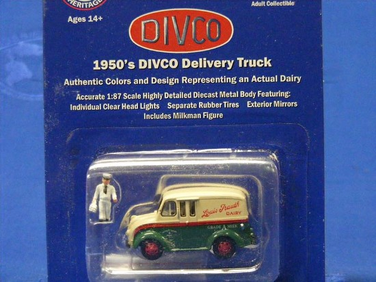 divco-delivery-van-louis-trouth-dairy--american-heritage-models-AHS87-002