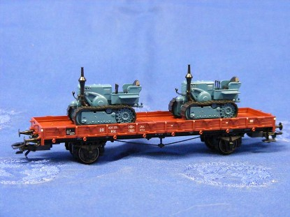 rail-car-with-2-lanz-crawler-tractors-marklin-MRK46363