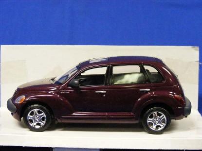 2001-chrysler-pt-cruiser-promo-model--cranberry-revell-REV85-0925