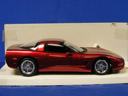 2004-corvette-coupe-promo-model--red-revell-REV85-0952