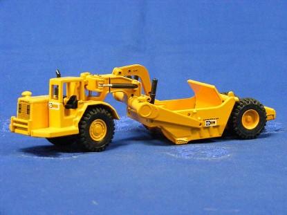caterpillar-631d-scraper-old-color-c-logo-joal-JOA219C