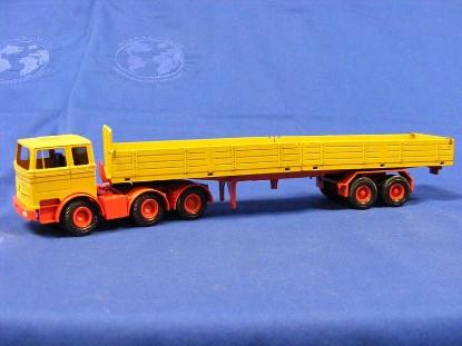 mb-semi-with-dropside-trailer-conrad-CON3030.1