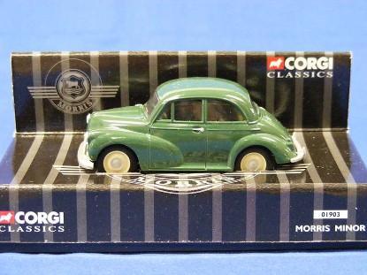 morris-minor-green-corgi-COR01903