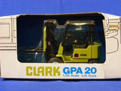 clark-gpa20-forklift-ertl-ERT0152
