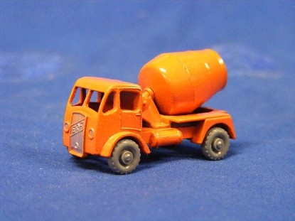 erf-concrete-mixer-gray-plastic-wheels-matchbox-1-75-MAT26A-3