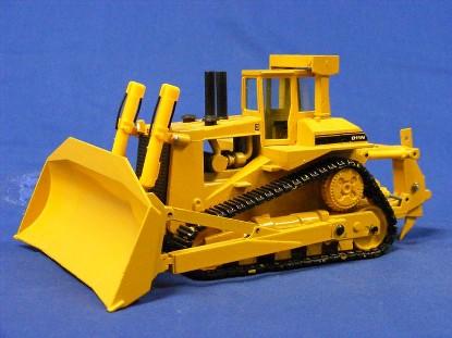 cat-d11n-dozer-adjustable-ripper-black-tracks-conrad-CON2852.01