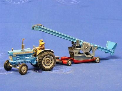 ford-5000-tractor-with-elevator-corgi-CORGS47