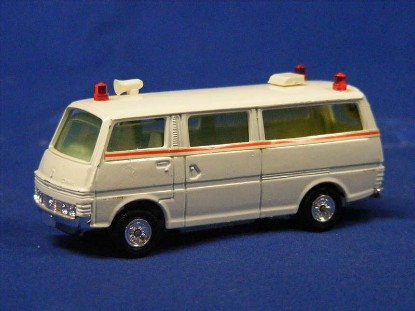 nissan-caravan-ambulance-grip-zechin-GRI001