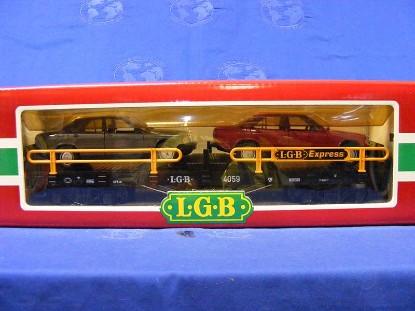 flat-car-w-2-mercedes-benz-cars-lgb-LGB4059