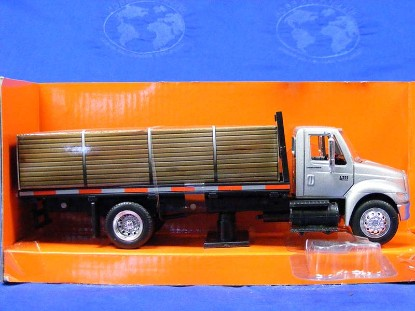 international-4200-flatbed-new-ray-NRY15903S